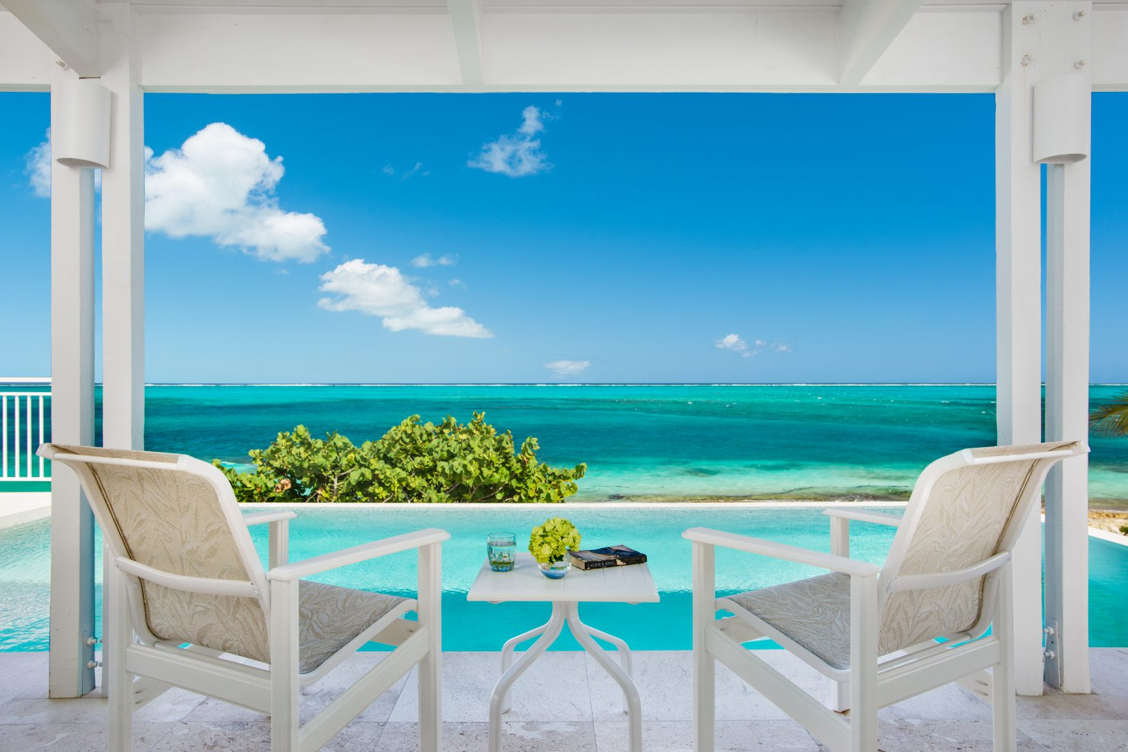 Beach villa sandstone vacation rental turks caicos tc for Villas wallpaper