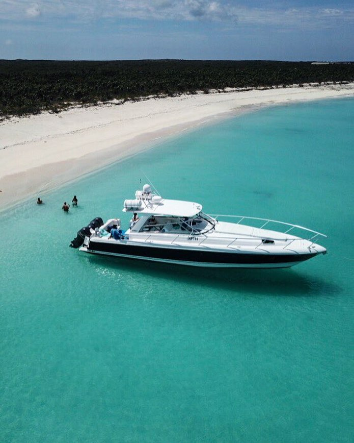 Private Boat from BigBlueUnlimited in Turks and Caicos